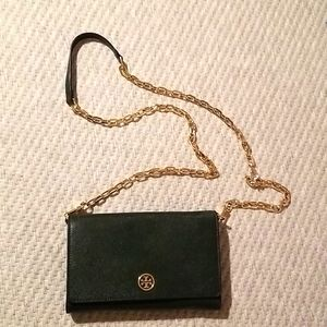 Authentic Tory Burch Robinson chain wallet